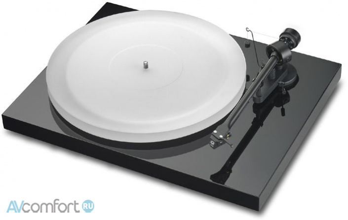 AVComfort, PRO-JECT Debut III Esprit Piano Black